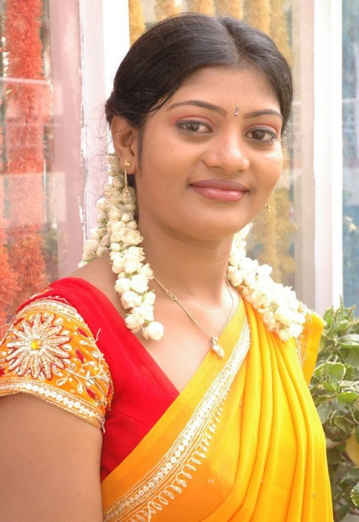 Slim South Indian Actress Half Saree Pics
