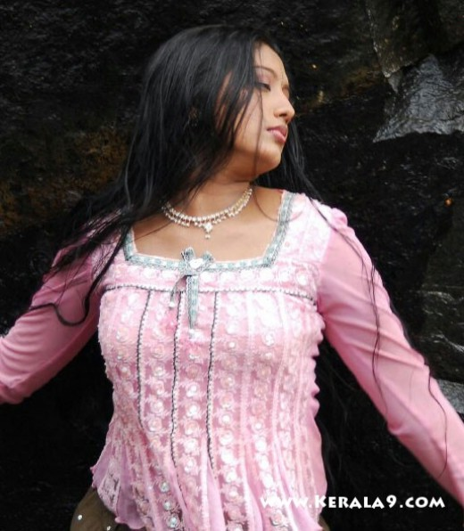 gopika hot scene from tamil movie