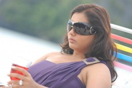 namitha-nameetha-hot-sexy-telugu-tollywood-actress