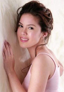 Young Filipina Girls