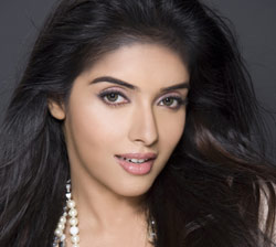 asin-aasin-hot-sexy-tamil-telugu-hindi-bollywood-actress
