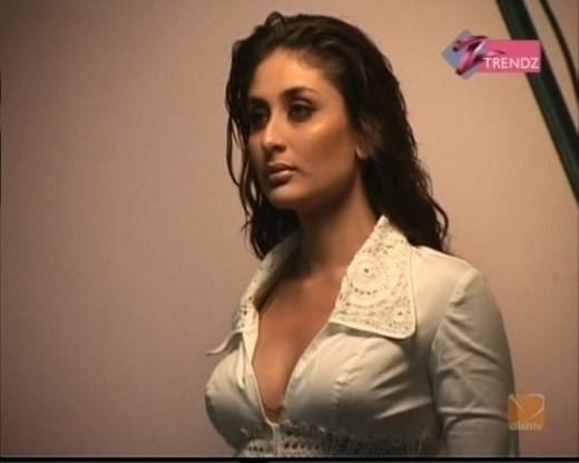 Hot Desi Indian Sexy Actress Kareena Kapoor Sizzling Masala Photos