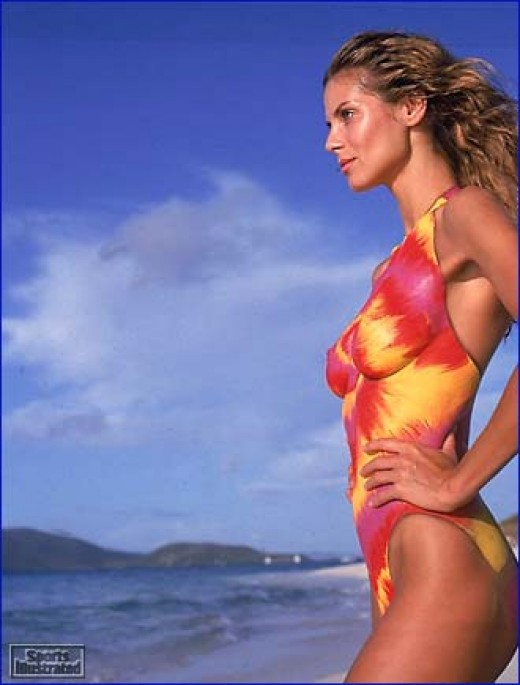 Optical Illusion - Heidi Klum Swimsuit