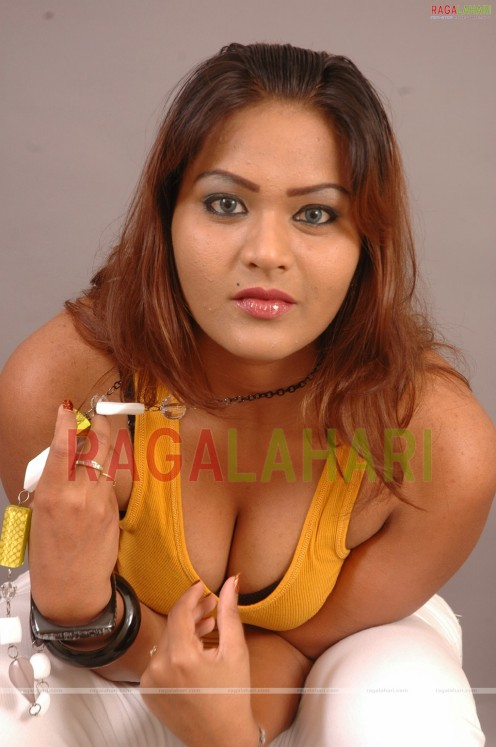 Priya Singh sexy Hot pictures of Indian actresses