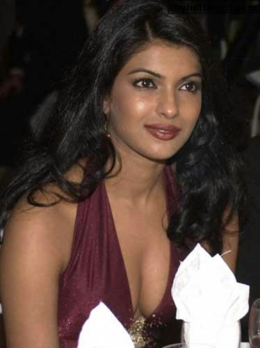 priyanka chopra uncensored breasts cleavage picture