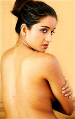 hot-sexy-bollywood-item-girl-antara-biswas-monalisa