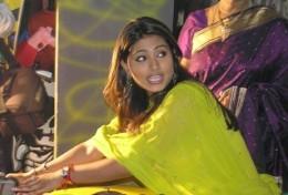 actress-snehaa-sineha-sneka-snega-snaga-sneha-hot-sexy-tamil-telugu-indian-desi-heroine