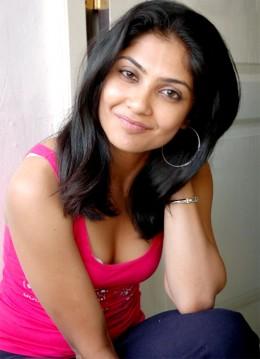 kamalini-tamil-telugu-actress-cleavage-boobs
