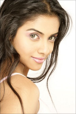 Gorgeous Angel Asin