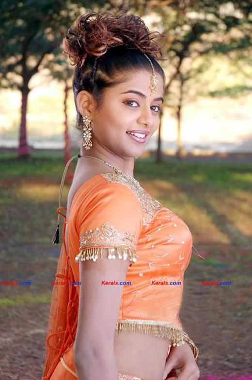 Priyamani the hottest in kerala and tamilnadu