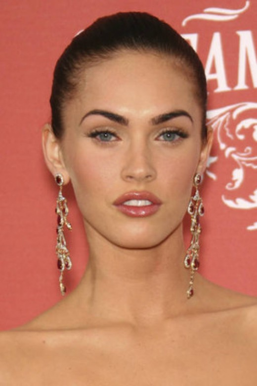 Megan fox short black hairstyles for fall 2008. Hayden panettiere long curly
