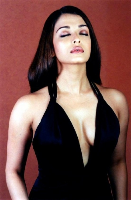 Aishwarya Rai Pictures with Crazy Captions