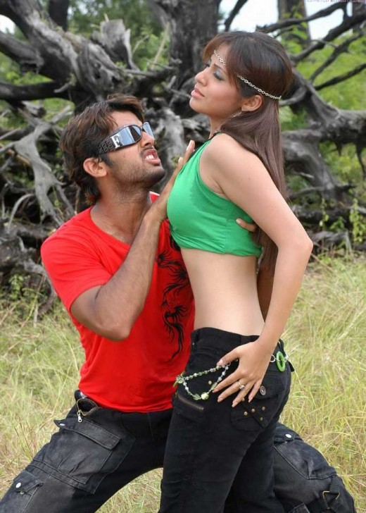 hot-sexy-desi-indian-actress-romance-hero-heroine-love-making-spicy