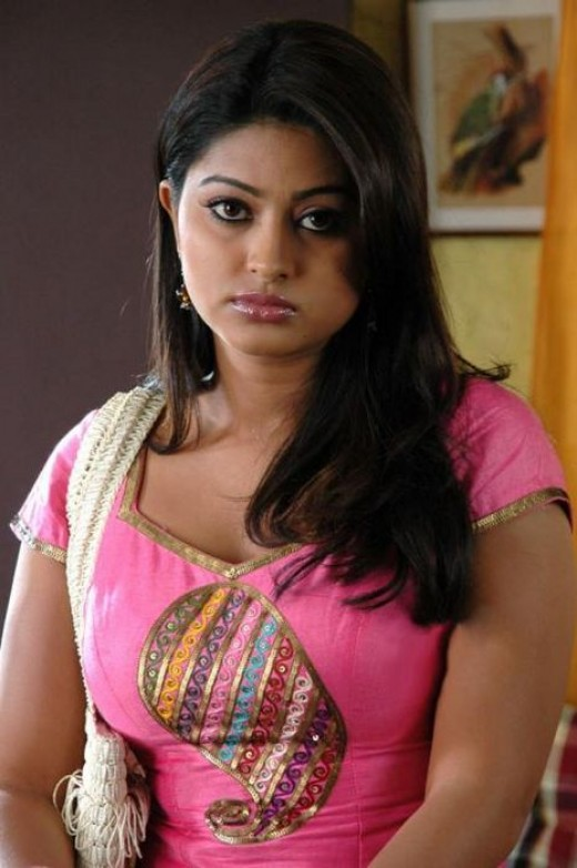 Sneha turning to glamour
