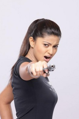 sneha-with-gun-bhavani-ips-movie-still