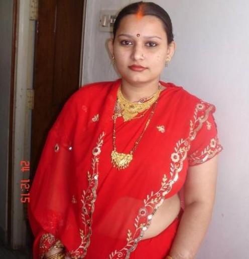 Sexy red hot Saree Photos of Indian aunties