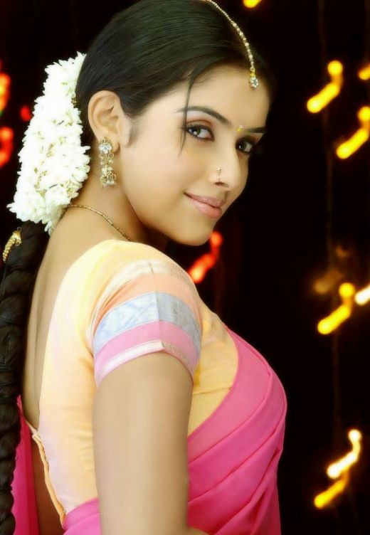 ghajini-fame-hot-sexy-indian-bollywood-actress-asin-tamil-telugu-mallu-hindi-heroine-aasin-half-saree-traditional-homely