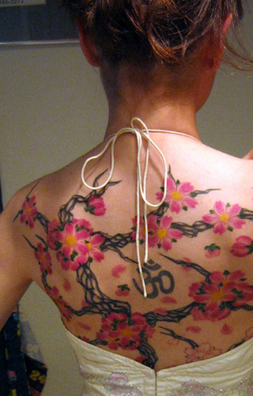 Label: Female Upper Back Tattoos, Tribal tattoo Traditional, women