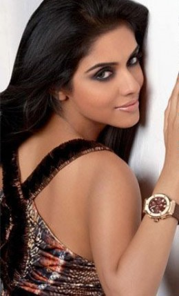 asin-hot-sexy-indian-desi-award-winning-bollywood-actress-aasin