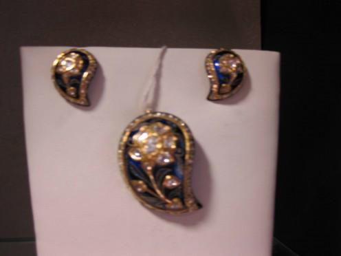 Kundan Meena Jadau Pendant Set   Kairi Shape by Vardhaman Gems
