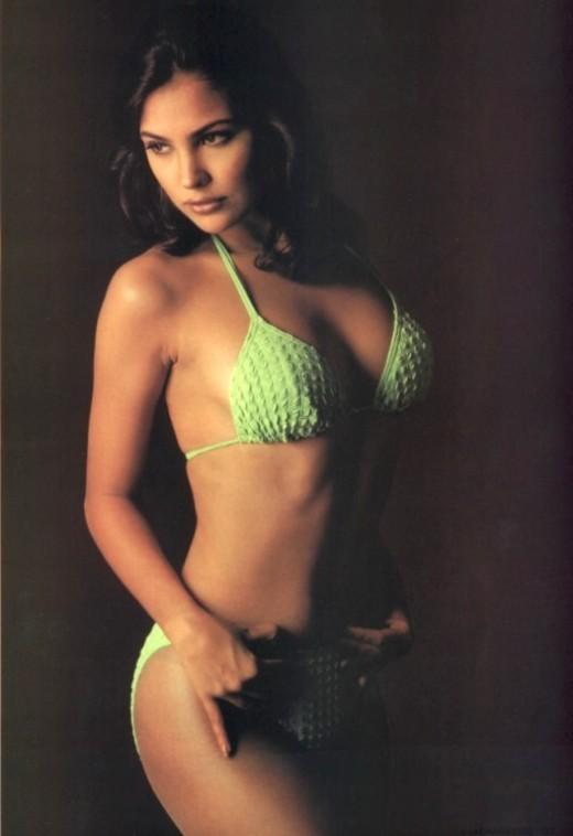 Lara Dutta Green Bikini