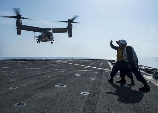 USMC MV-22 Osprey in Gulf of Aden (US Navy Photo/Seaman Jesse Hyatt)