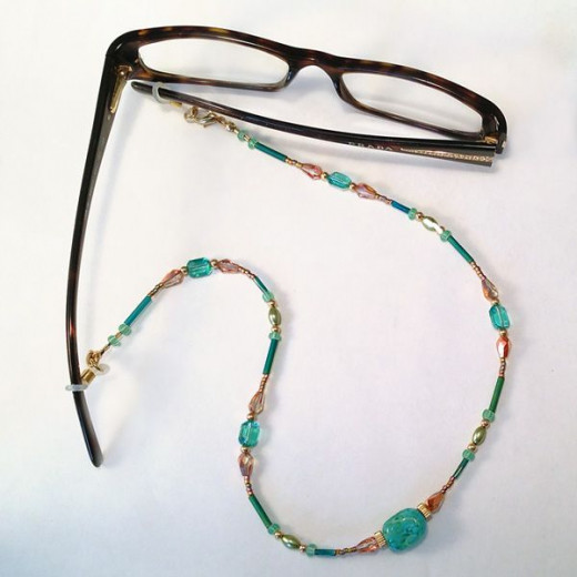 Eyeglass Frame Jewelry : A beaded convertible eye glasses chain that can also be ...