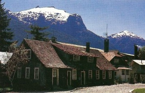 Swiss and German settlers have left their stamp on the architecture of Bariloche. Photo - Nemingha.