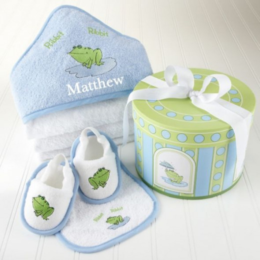 Finley the Frog Four-Piece Hat Box Bath Time Baby Gift Set - Personalized