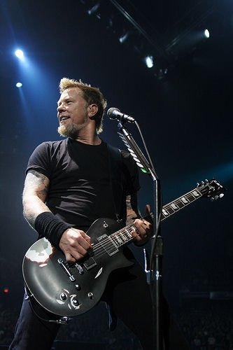 James Hetfield, Metallica playing live