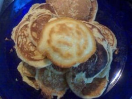 Big stack of pikelets