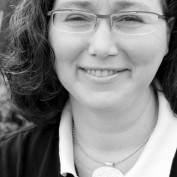 Elaine Luther profile image