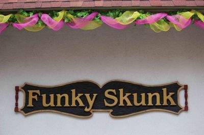 Funky Skunk! Fun Gifts, Clothing and Accessories