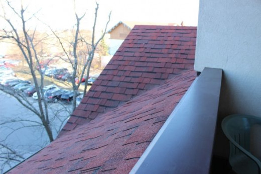Balcony to the right