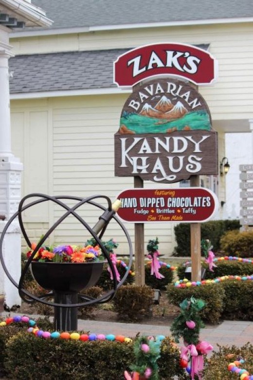 ...In Front of Zak's Kandy Haus