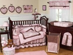 Beautiful toile baby bedding set