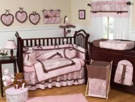 Beautiful toile baby bedding set