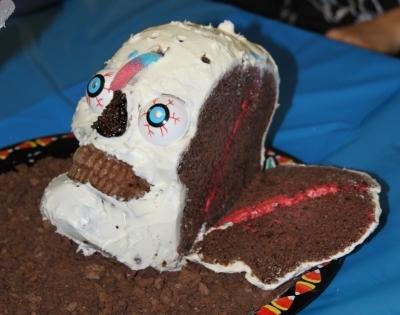3-d skull cake pan showing inside