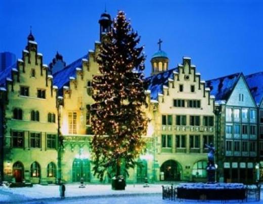 CHRISTMAS TREES AROUND THE WORLD--Frankfurt, Germany