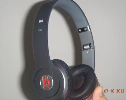 beats-solo-headset-a.jpg