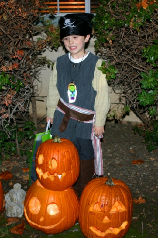 This Costume Would Have Been Better With a Pirate Candy Bag!