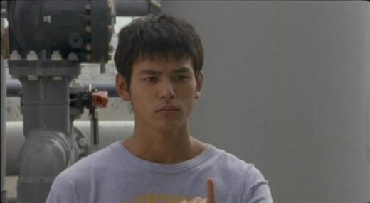 "Satoshi Tsumabuki as ""Suzuki"" in the Shinobu Yaguchi film Waterboys (2001)"