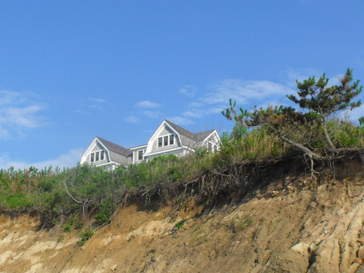 Oh to have a beach house on Block Island, it would be my dream come true. I could totally live on Block Island for a summer season.