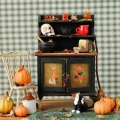 Makeover Your Dollhouse with Miniature Halloween Decorations