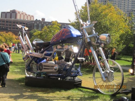 GIANT MOTORCYCLE MADE OF VARIOUS METAL PIECES