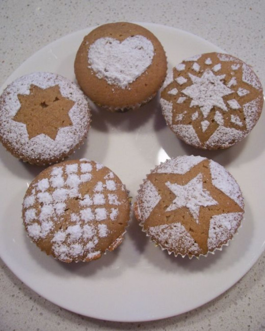 Cupcakes Decorated with Powder Sugar