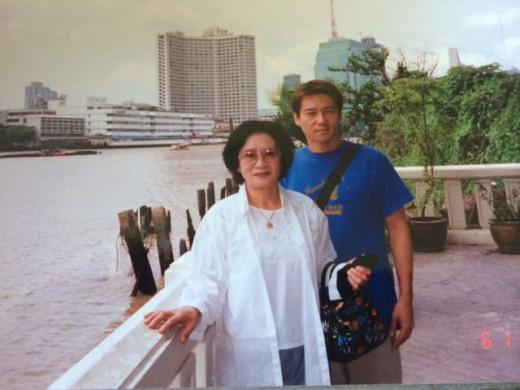On the banks of Chao Praya River