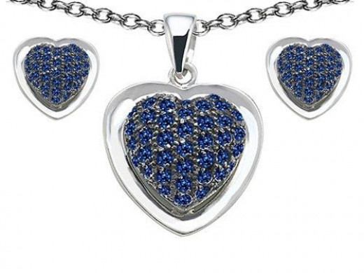 Original Star K(tm) Created Sapphire Heart Shape Love Pendant Box Set with matching earrings in 925 Sterling Silver