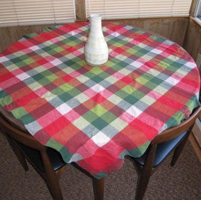 RW Simtex Tablecloth by thriftsift.etsy.com $50