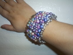 How To Make A Fake Pearl Bracelet With Safety Pins